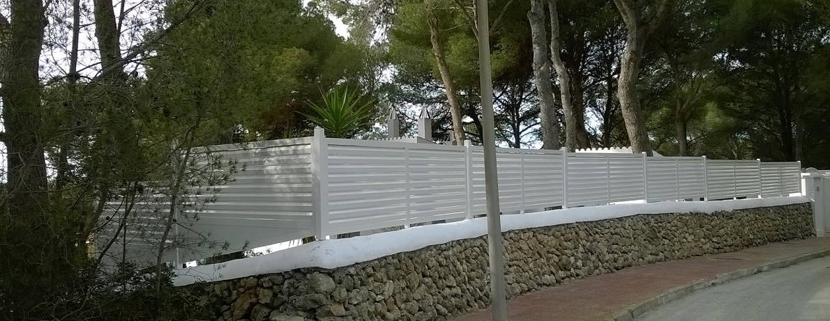 Vallas de jard n excel menorca for Vallas de pvc para jardin
